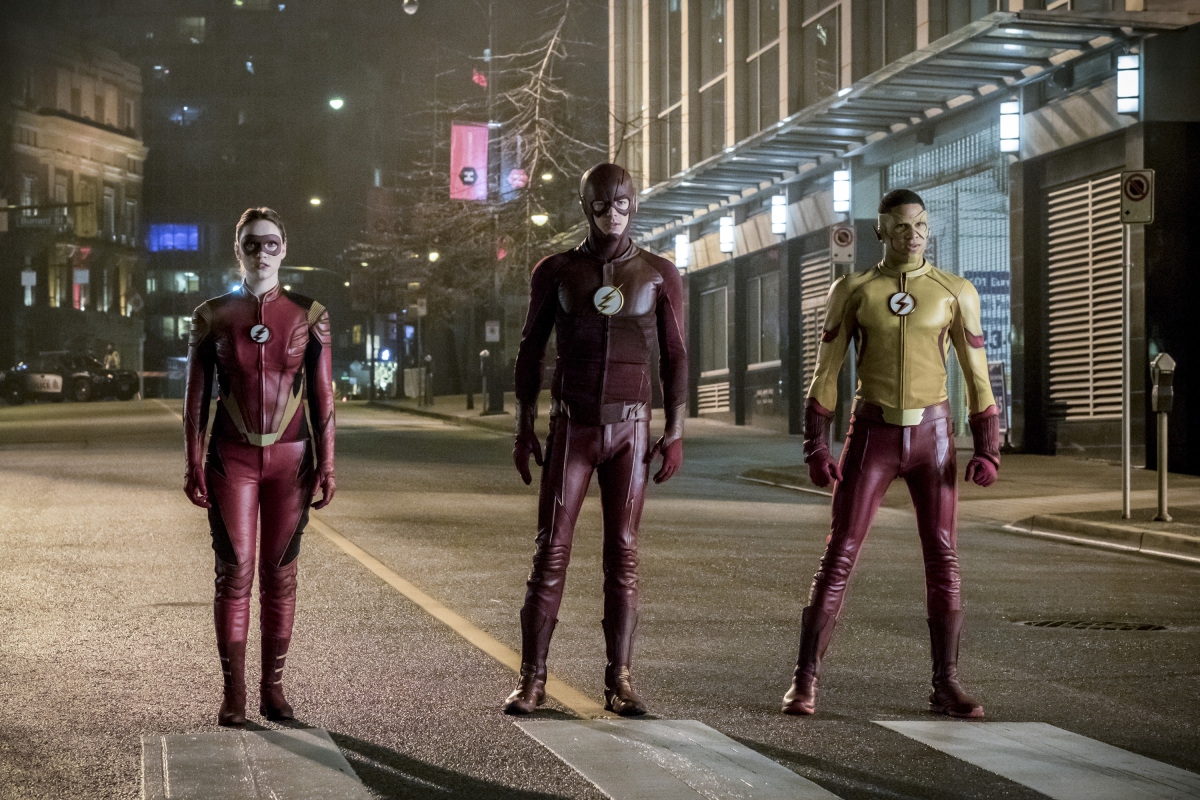 "The Flash -- ""Attack on Central City"" -- FLA314a_0170b.jpg -- Pictured (L-R): Violett Beane as Jesse Quick, Grant Gustin as The Flash and Keiynan Lonsdale as Kid Flash -- Photo: Katie Yu/The CW -- © 2017 The CW Network, LLC. All rights reserved."