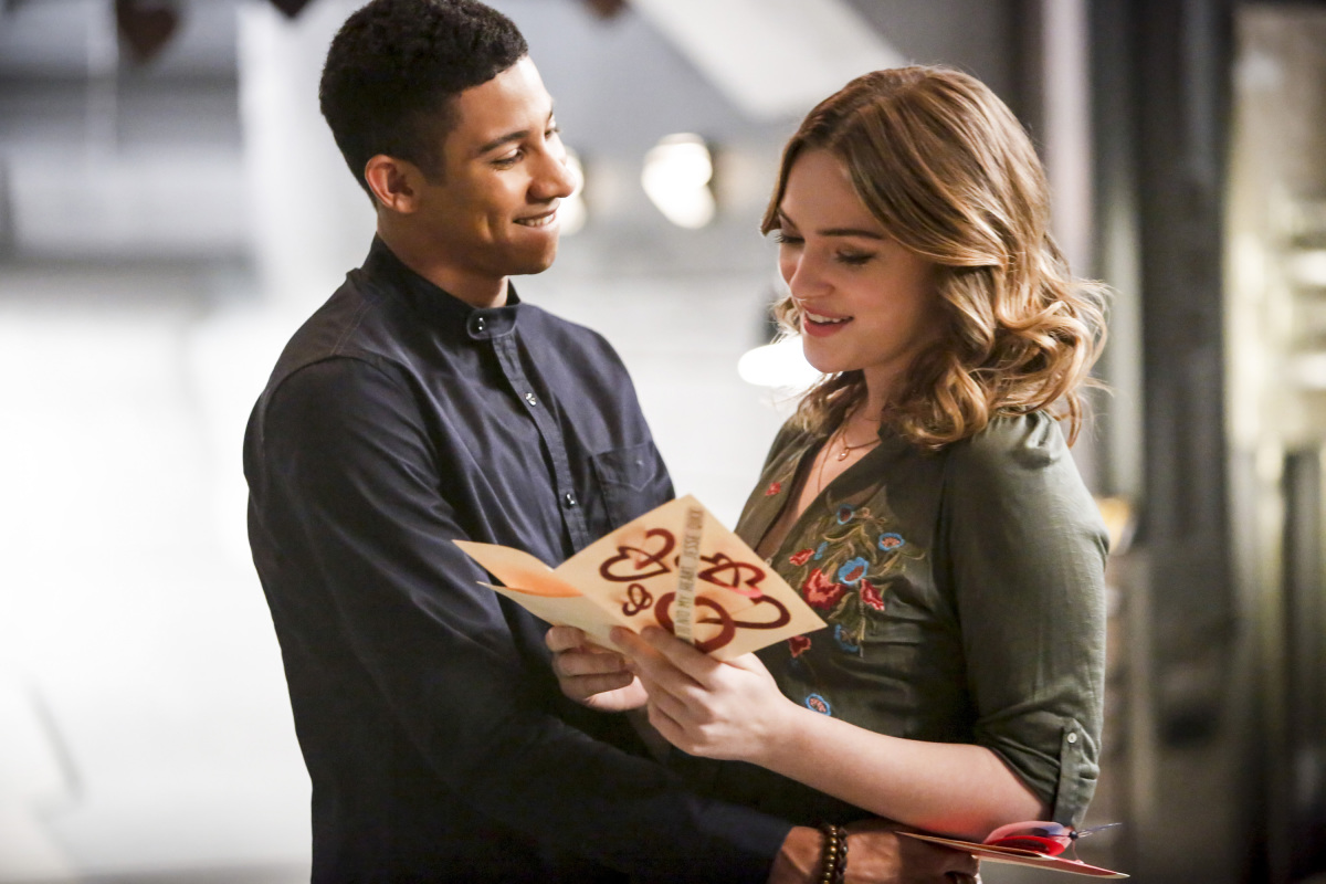 """The Flash -- """"Attack on Central City"""" -- FLA314b_0130b.jpg -- Pictured (L-R): Keiynan Lonsdale as Wally West and Violett Beane as Jesse Quick -- Photo: Bettina Strauss/The CW -- © 2017 The CW Network, LLC. All rights reserved."""