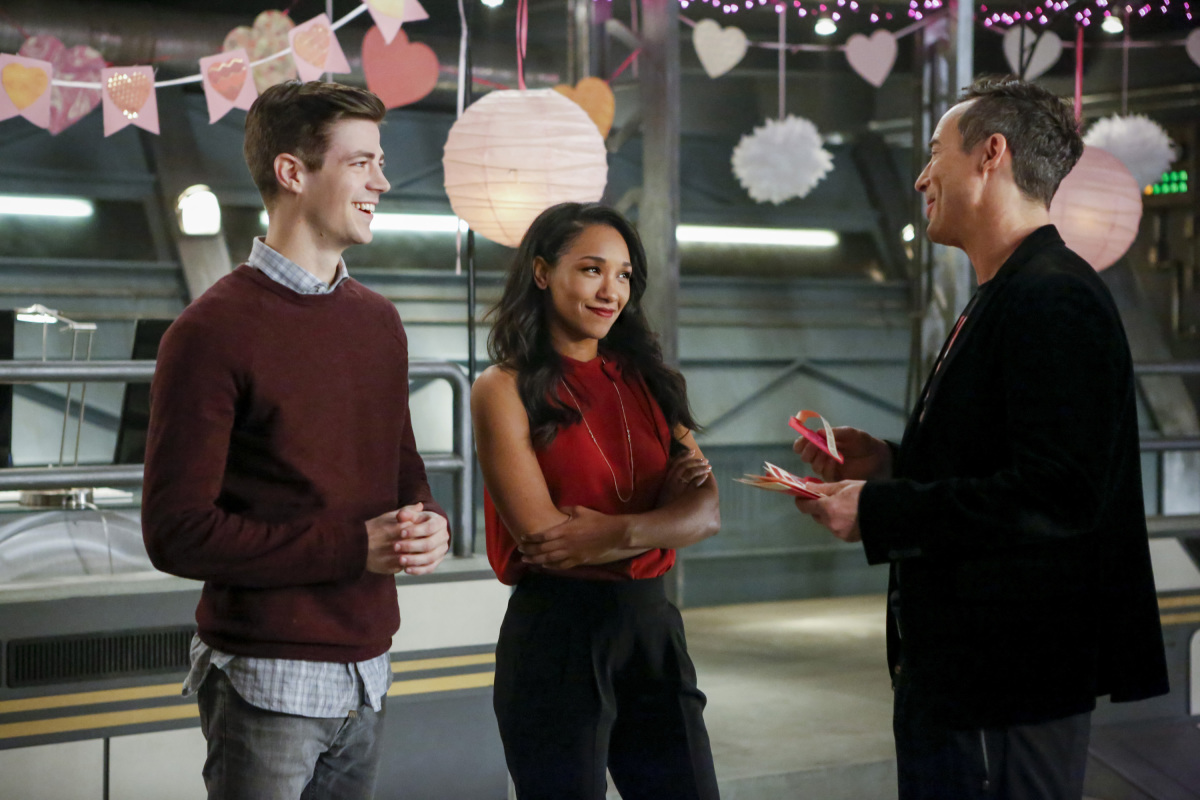 "The Flash -- ""Attack on Central City"" -- FLA314b_0257b.jpg -- Pictured (L-R): Grant Gustin as Barry Allen, Candice Patton as Iris West and Tom Cavanagh as Harrison Wells -- Photo: Bettina Strauss/The CW -- © 2017 The CW Network, LLC. All rights reserved."