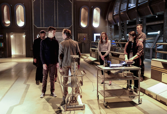 "The Flash -- ""The Wrath of Savitar"" -- FLA315a_0008b.jpg -- Pictured (L-R): Jesse L. Martin as Detective Joe West, Grant Gustin as Barry Allen, Tom Felton as Julian Albert, Danielle Panabaker as Caitlin Snow, Carlos Valdes as Cisco Ramon and Tom Cavanagh as Harrison Wells -- Photo: Bettina Strauss/The CW -- © 2017 The CW Network, LLC. All rights reserved."