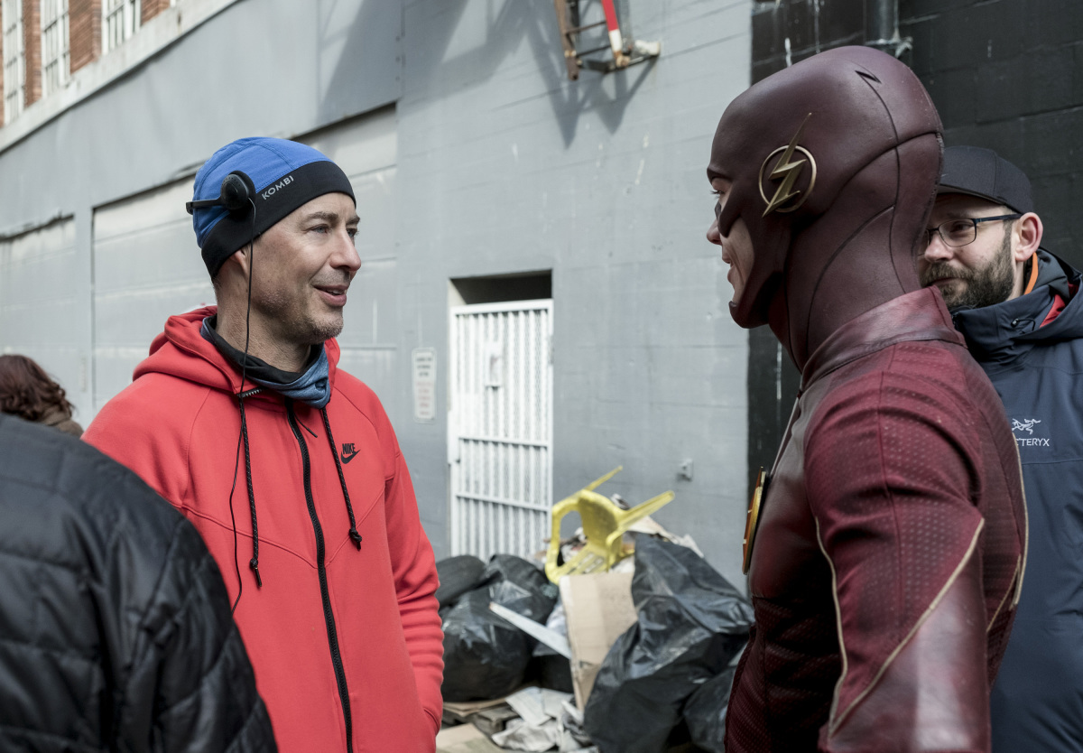 """The Flash -- """"The Once and Future Flash"""" -- FLA319a_BTS_0181b.jpg -- Pictured: Behind the scenes with Tom Cavanagh and Grant Gustin -- Photo: Katie Yu/The CW -- © 2017 The CW Network, LLC. All rights reserved."""