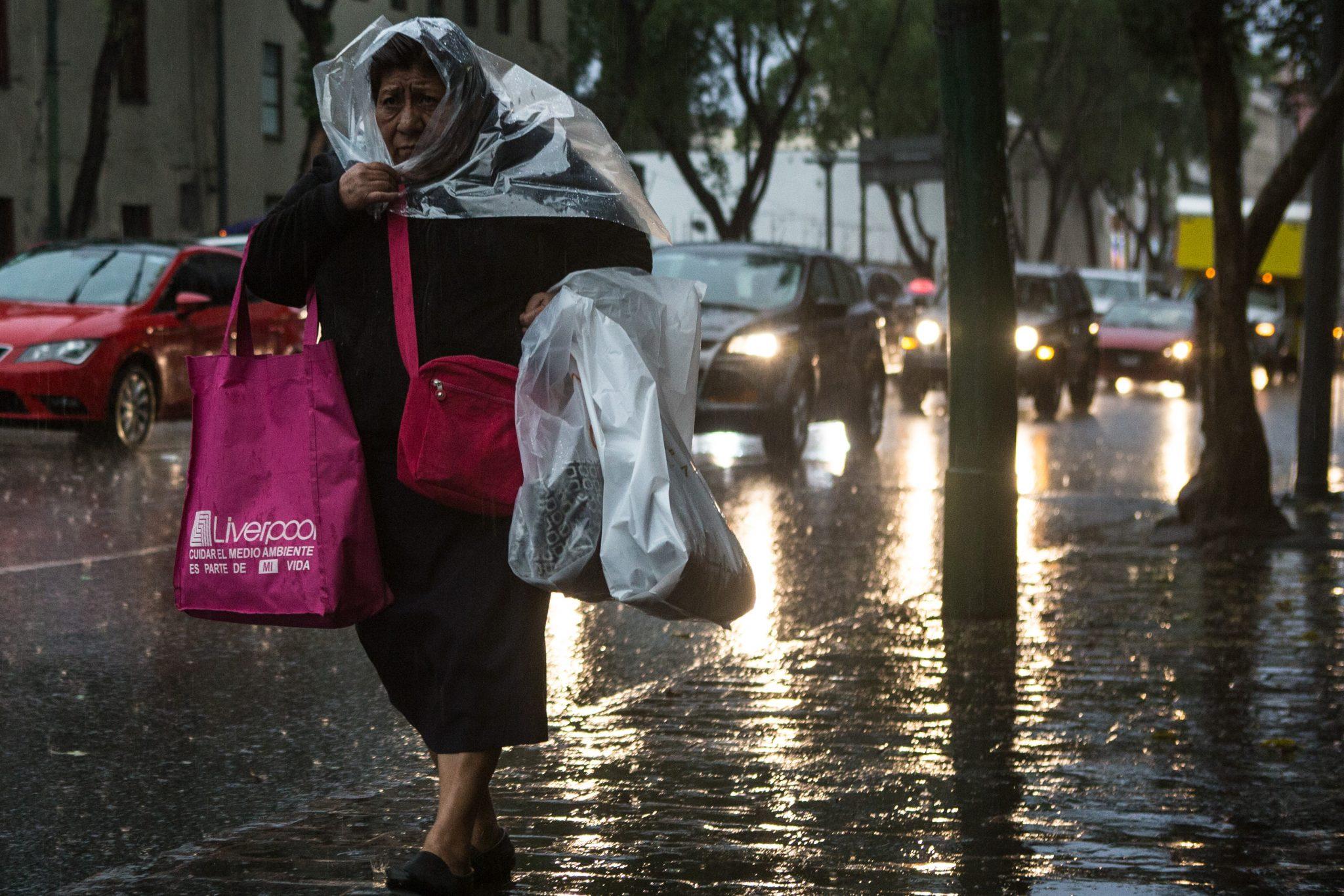Llueve en la Ciudad de México; hay granizo en Tlalpan y Xochimilco