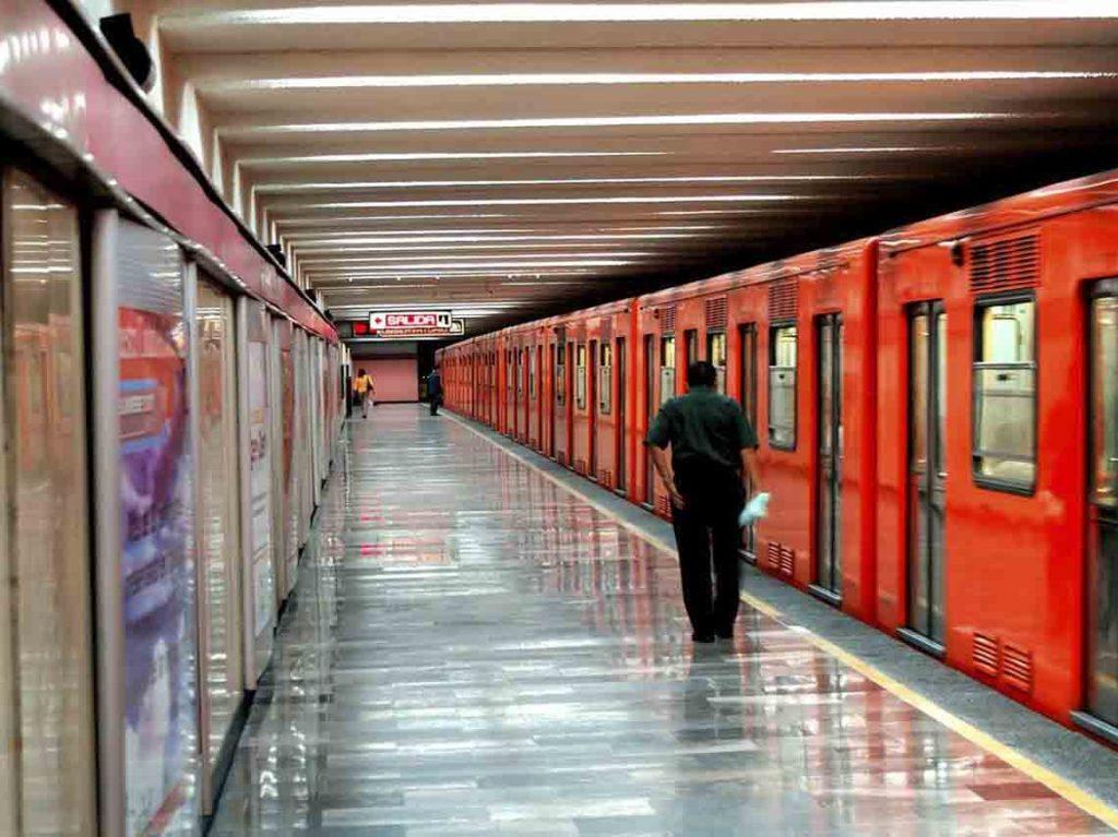 Hoy el Metro operará con horario de día festivo en la CDMX