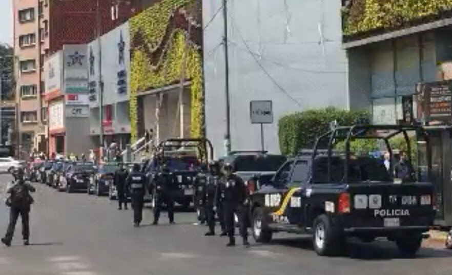 Diario La Razón sufre intento de asalto a sus oficinas en CDMX