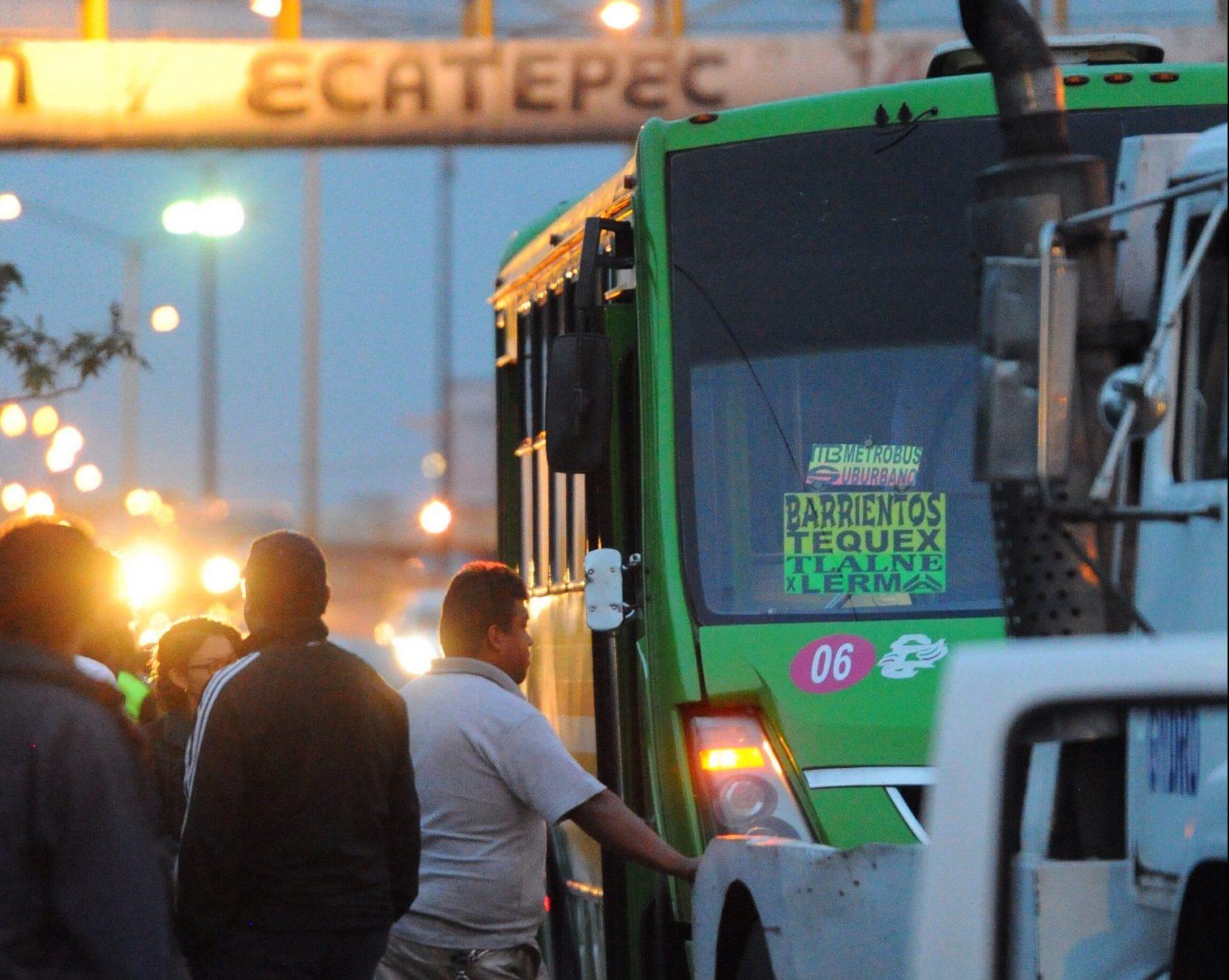 Asalto a transporte público en la México-Pachuca deja tres heridos