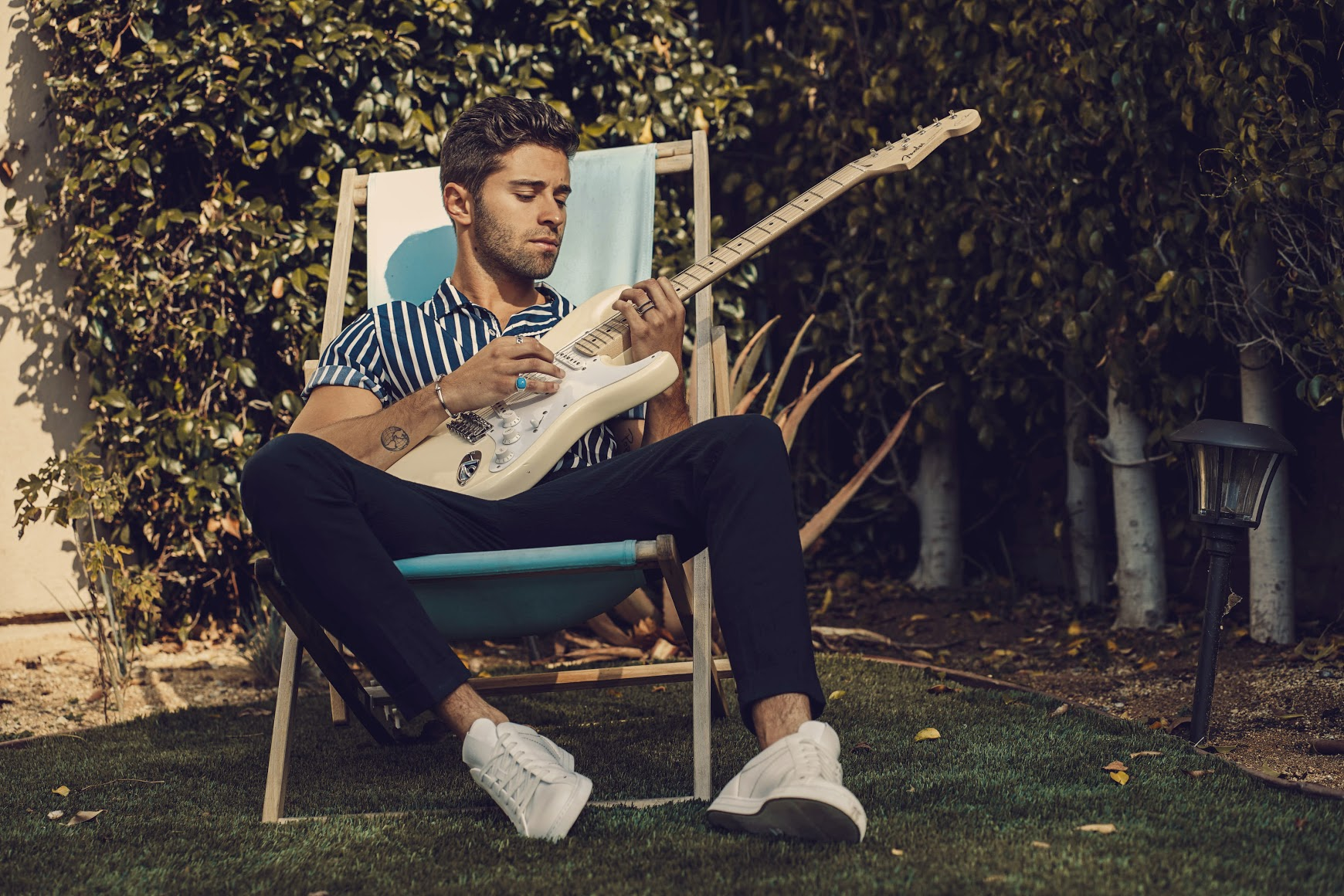"Jake Miller Says Goodbye to Ex in New Single ""Last Text"""