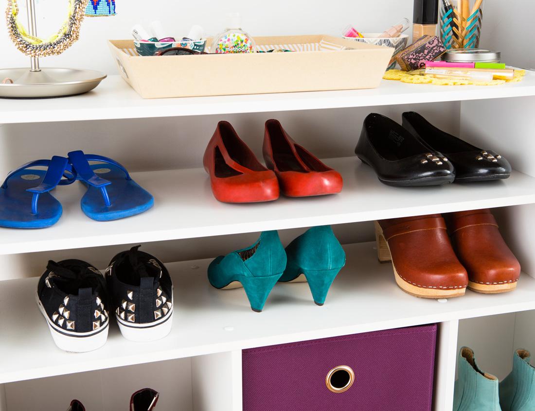 Closet 08 shoeshelves