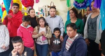 El DIF organizó un taller de piñatas; las compran y regalan para adornar la ciudad