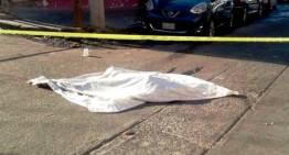 Hombres armados  matan a mujer; era líder de ambulantes