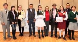 Se efectúa concurso de Interpretación del Himno Nacional