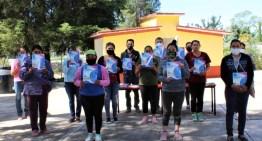 """Docente de Atarjea diseña un  plan para el programa """"Escuela en casa"""""""