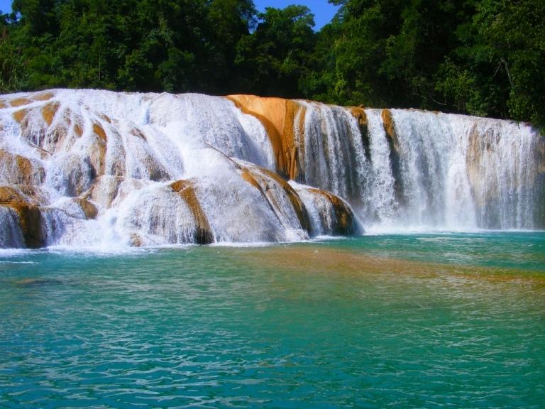 7. Cascadas Agua Azul en Chiapas