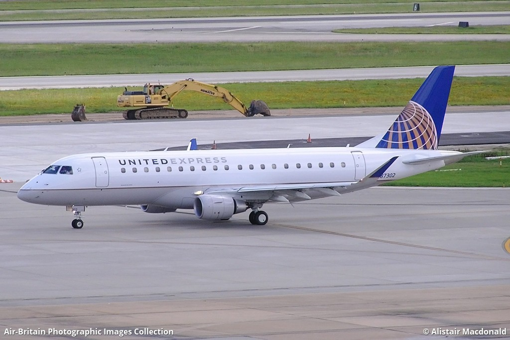 Embraer ERJ170200LR ERJ175 N87302  17000394 United Express  Mesa Airlines YV  ASH  ABPic