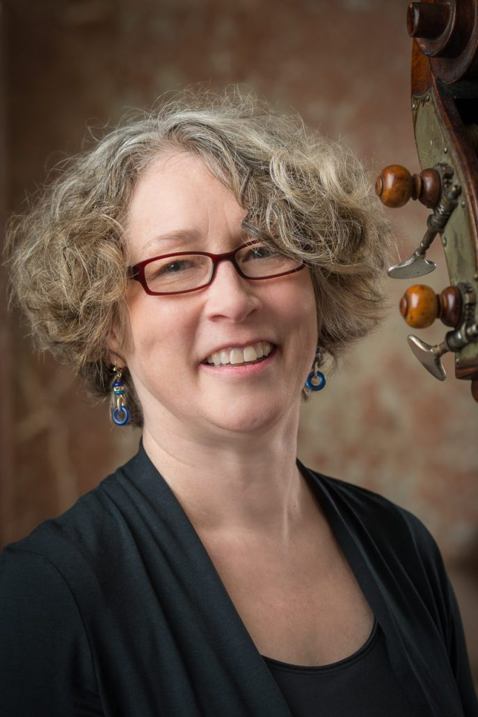 Sara Thompson, baroque bass