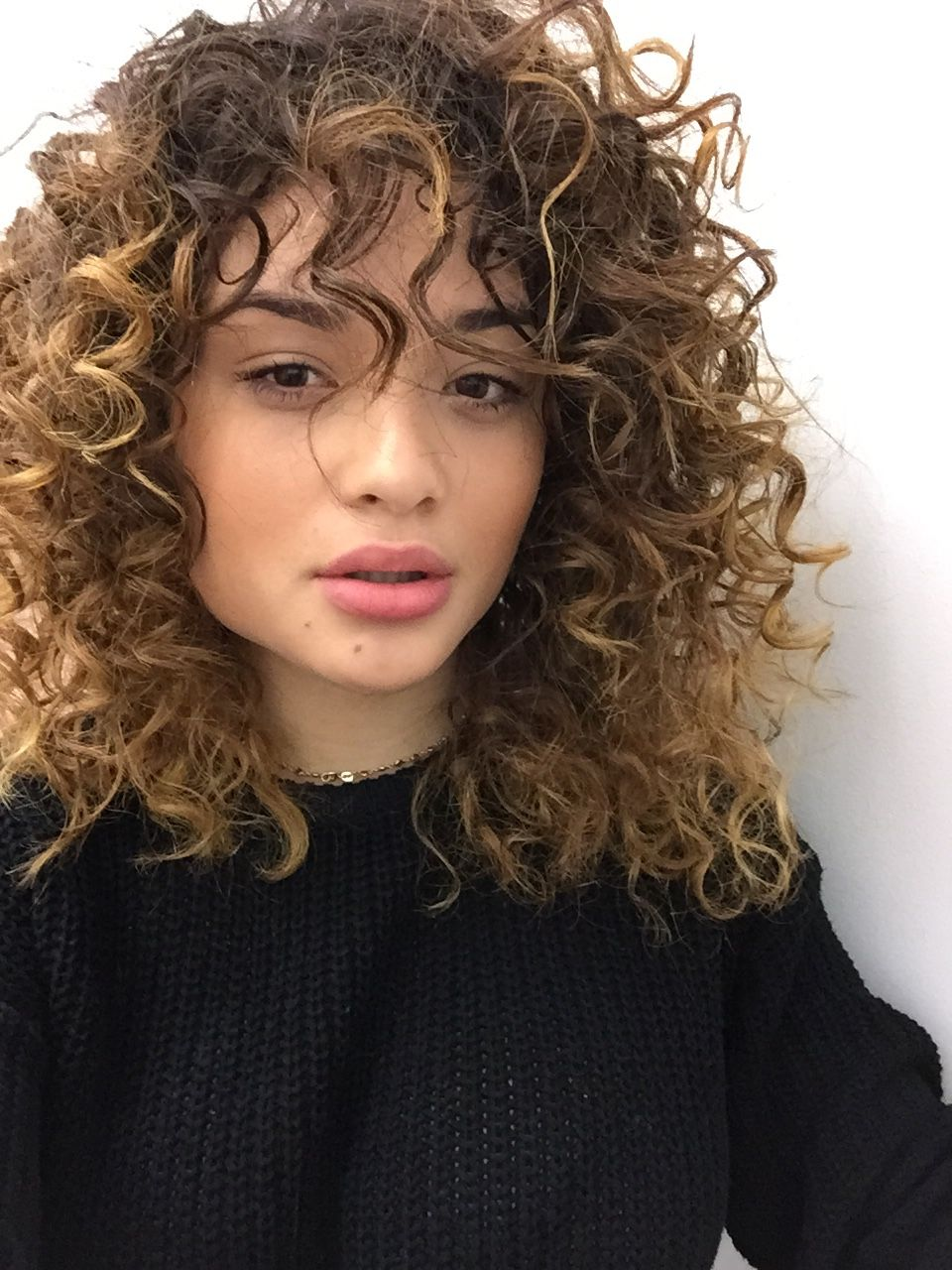 cute & trendy curly hairstyles