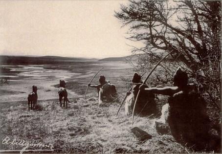 cazadores-onas-rituales-denomades
