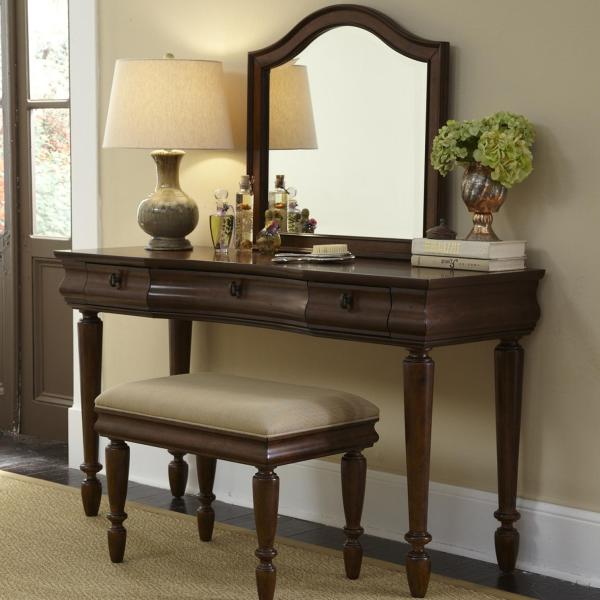 Vanity Set With Turned Legs Liberty Furniture Wolf