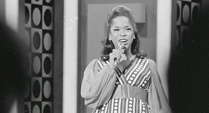 """6/9/1969-Los Angeles, CA-ORIGINAL CAPTION READS: Singer Della Reese shown performing on her TV series: """"The Della Reese Show."""" (Courtesy Everett Collection)"""