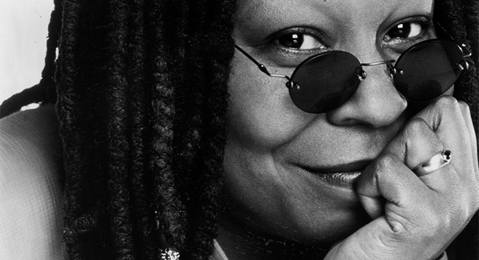 African American comedian and actress Whoopi Goldberg receives The Kennedy Center Mark Twain Prize, 2001. (Photo by Afro American Newspapers/Gado/Getty Images)