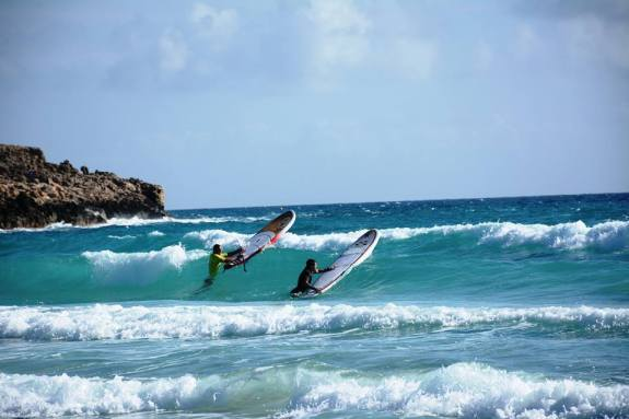 cyprus-activity-cr-jan-majer-surfers-in-waves