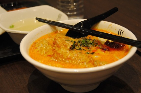 A Laksa from Viet Rose is a superb introduction to multicultural Melbourne (and Fitzroy!)