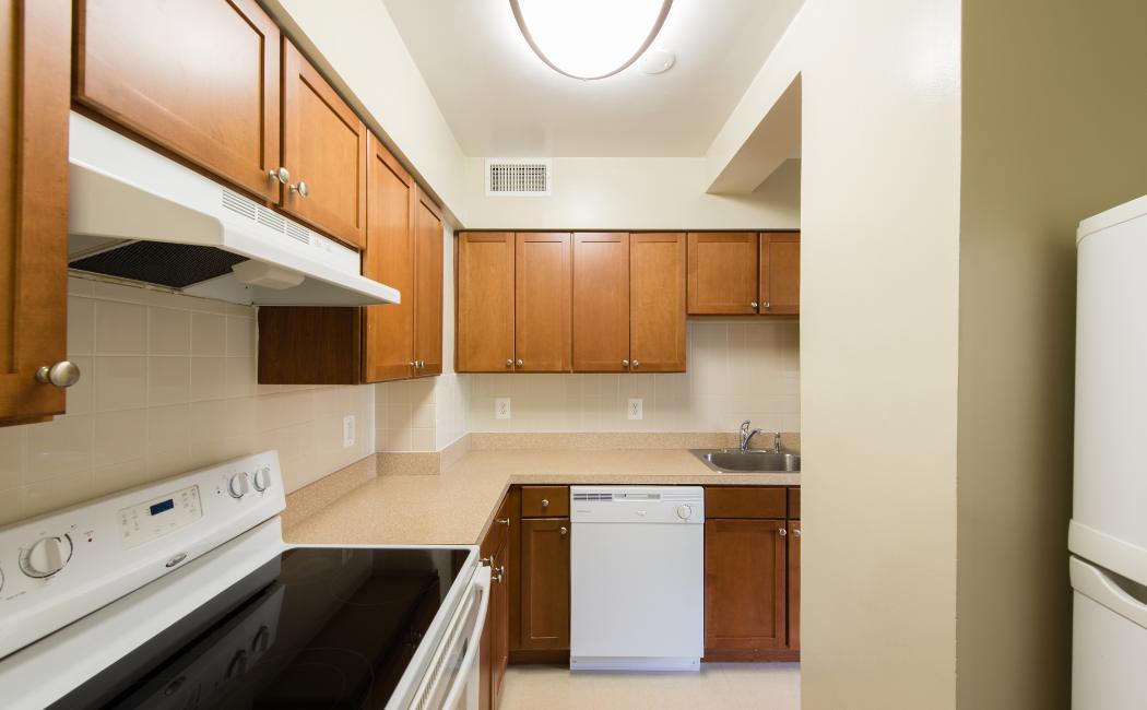 Studio, 1 & 2 Bedroom Apartments for Rent in Bethesda, MD
