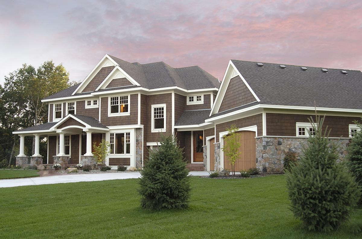 Luxurious Craftsman Home Plan