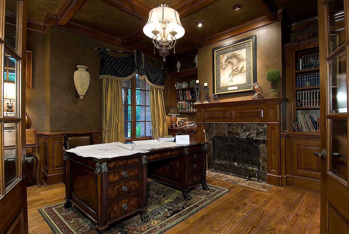 Luxury Home Study Room Design
