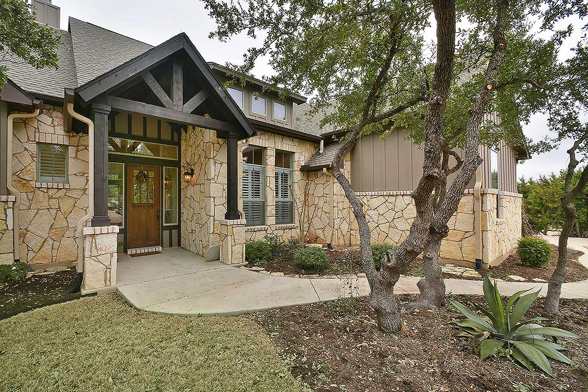 4 Bed Rugged Hill Country House Plan - 28317hj