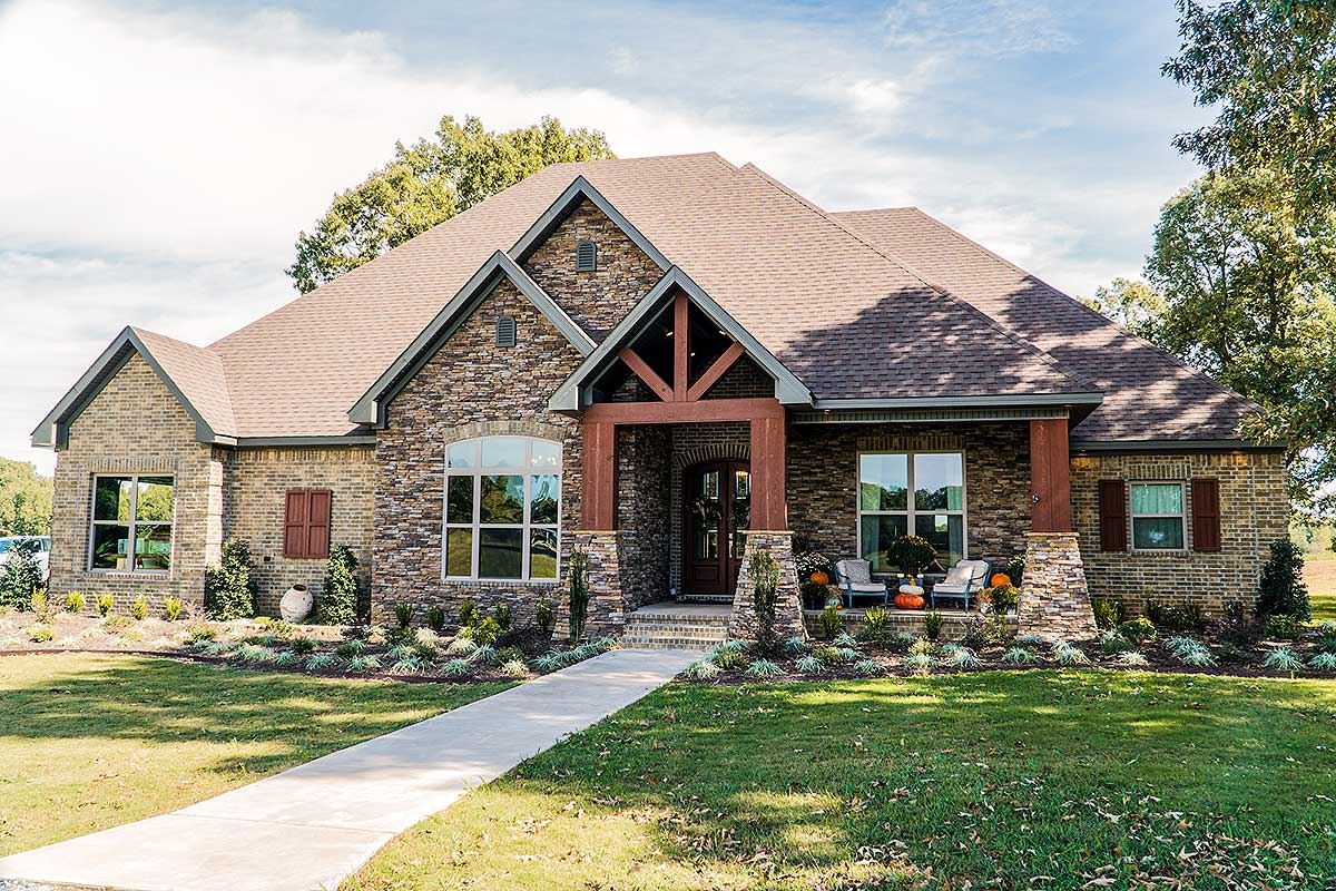 Craftsman Style Houses with Side Load Garage