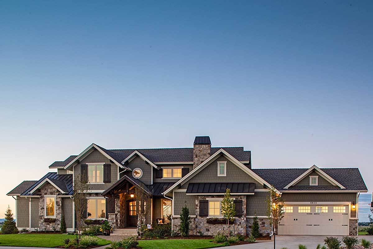 Traditional House Plan With Craftsman Touches - 95023rw