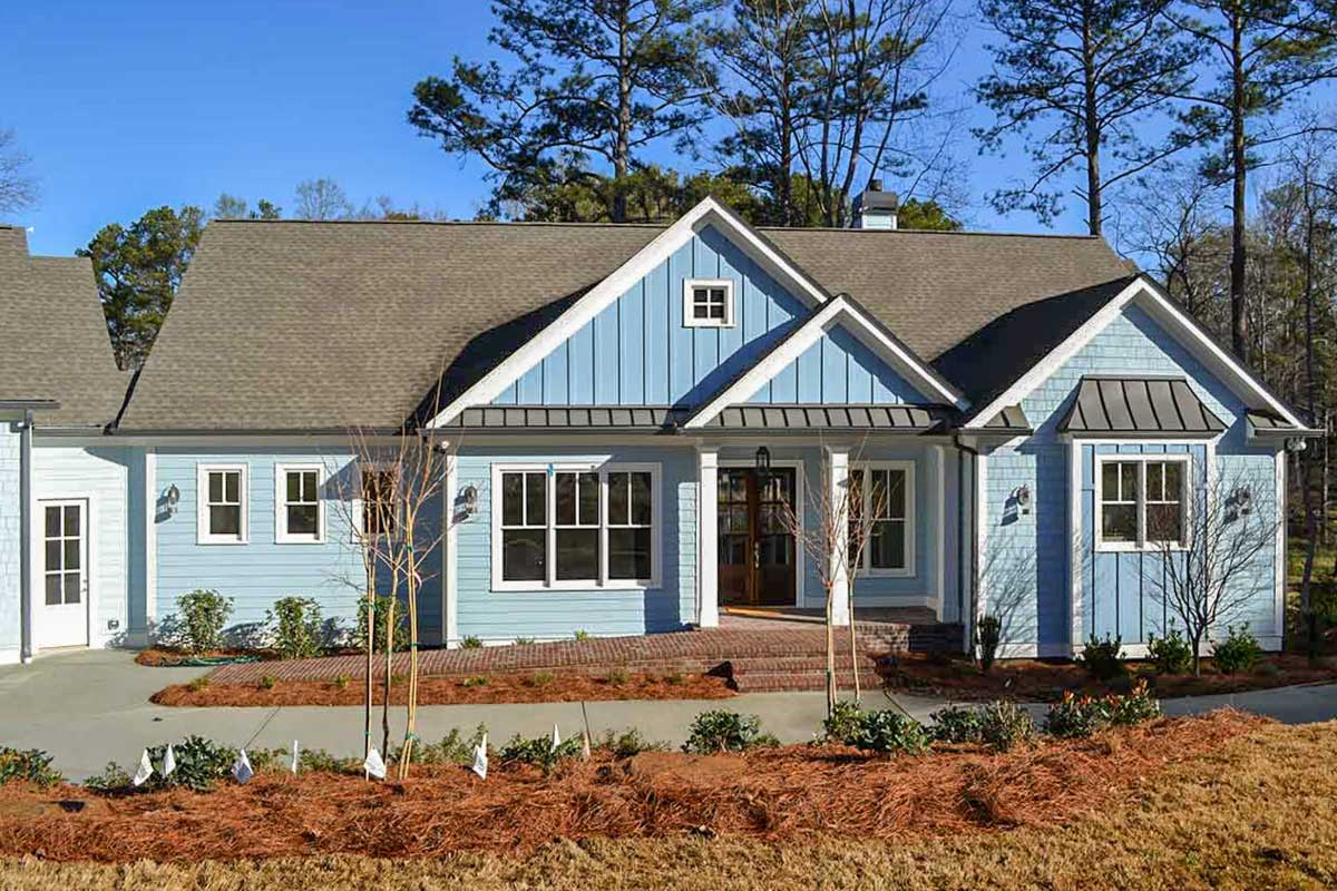 Country Craftsman With Studio Apartment Above Angled