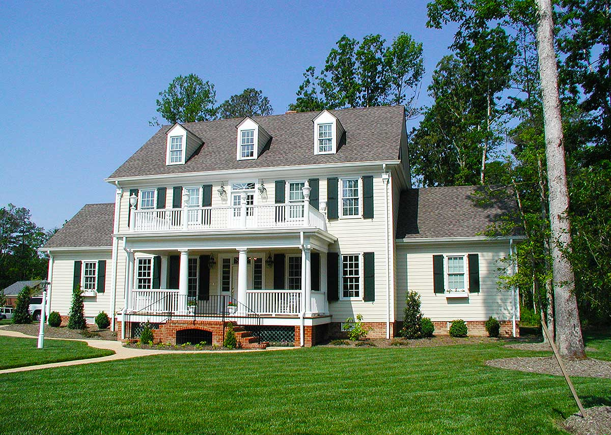 Colonial Home With 2-story Family Room - 32562wp