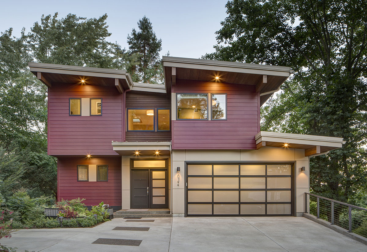 Contemporary Beauty Sloping Lot - 69588am