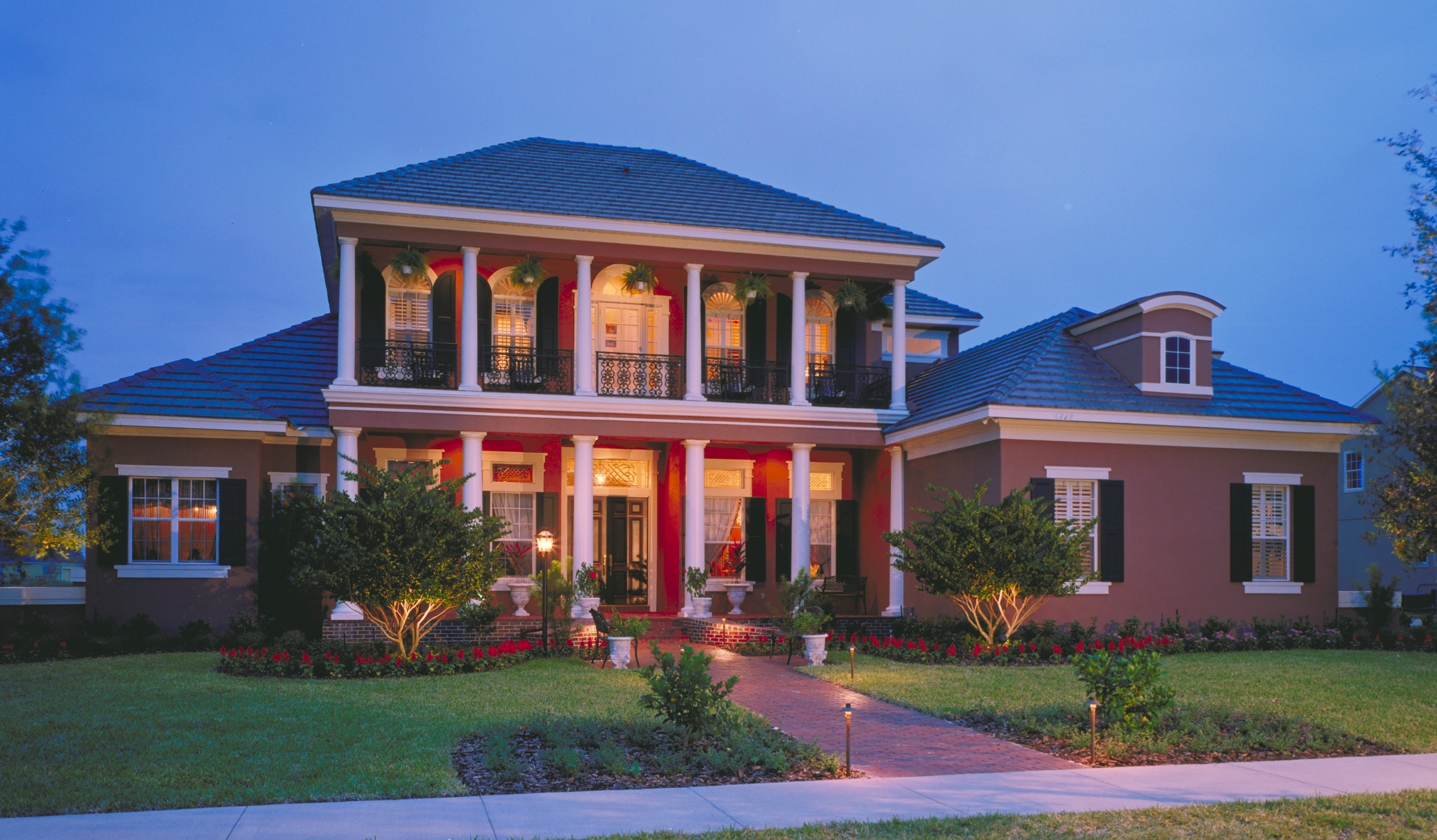 Two-Story Southern Colonial Style House Plans