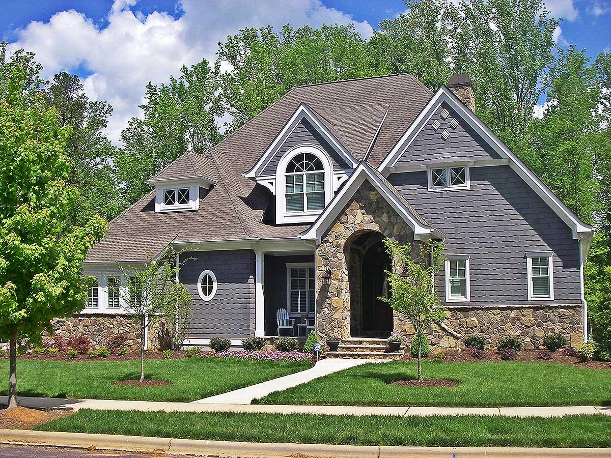 Eye-catching Shingle Style House Plan - 93084el