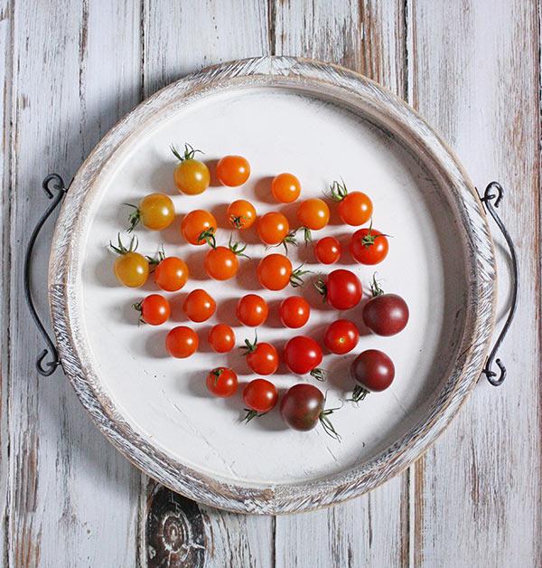 Avocado & Cherry Tomato Ramen Noodle Bowl with Lemon Basil Vinaigrette from SoupAddict.com
