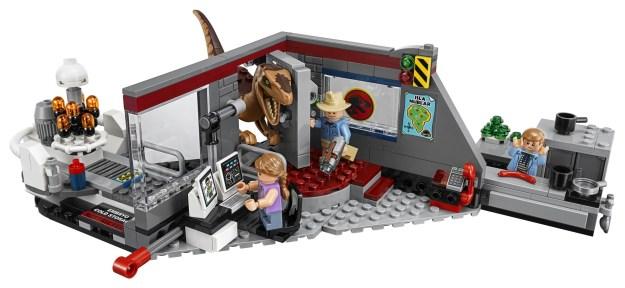 LEGO 75932 Jurassic Park Velociraptor Chase - Set Front