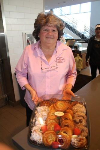 Beatriz Porto vicepresidenta de relaciones comunitarias de la panadería. (Foto Agustín Durán/El Pasajero).