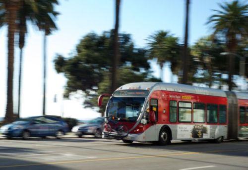 Autob 250 S 794 De Metro Rapid Ofrece Servicio A Estaci 243 N Sun Valley De Metrolink El Pasajero