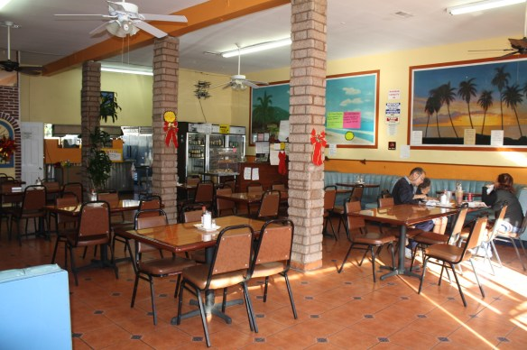 Restaurante Río Lempa #2 (Foto de Agustín Durán/El Pasajero).