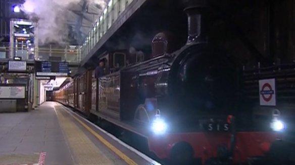 Este tren de vapor subterráneo empezó a dar servicio hace 150 años en Londres. Foto: BBC.
