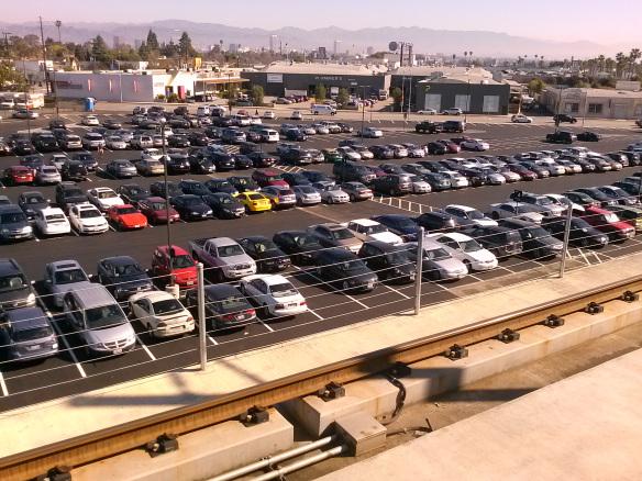 Vista del recién pavimentado garaje en la estación Culver City. Foto: Metro