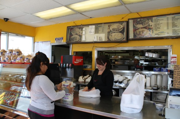Los platillos en el restaurante se sirven con mucho sabor y amabilidad. (Foto de Agustín Durán/El Pasajero).