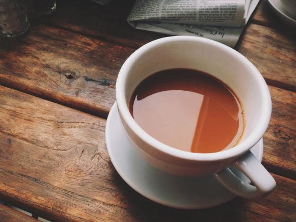 Café en Market on Holly y el New York Times –una combinación triunfadora. (Foto Steve Hymon/El Pasajero).