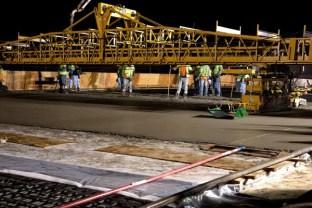 Construcción del puente en Sunset.