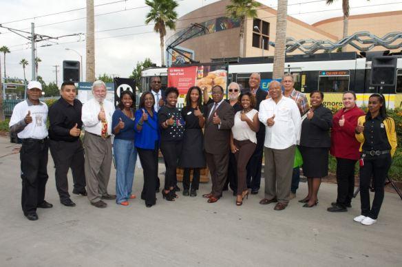 Representantes de Metro y funcionarios que participaron en el evento de Taste of Soul. Foto: Gary Leonard/Metro.