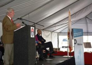 El director general ejecutivo de Metro, Art Leahy, durante la ceremonia.