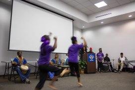 Bailarines de Lula Washington Dance Theatre. Foto: Joseph Lemon/Metro.