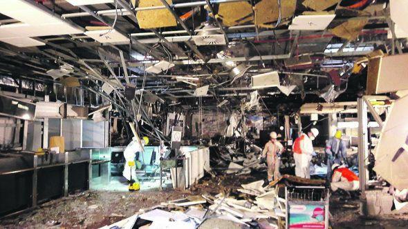 El aeropuerto de Bruselas , tras los ataques del 22 de marzo. Foto: El País.